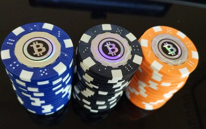 poker bitcoin 800x500 - Bitcoin Poker - How It Works and Where To Play