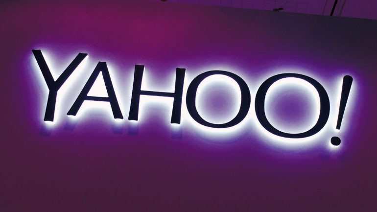 Yahoo banner in purple