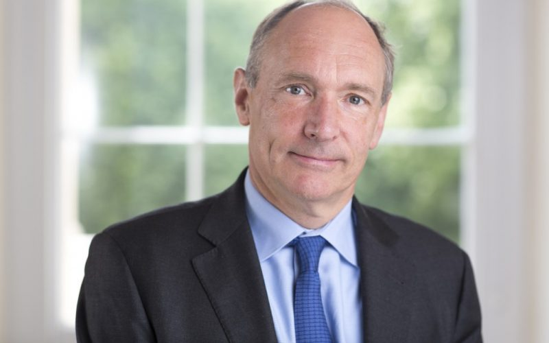 Tim Berners Lee 800x500 - Internet's Creator Tim Berners-Lee Supports Blockchain Technology