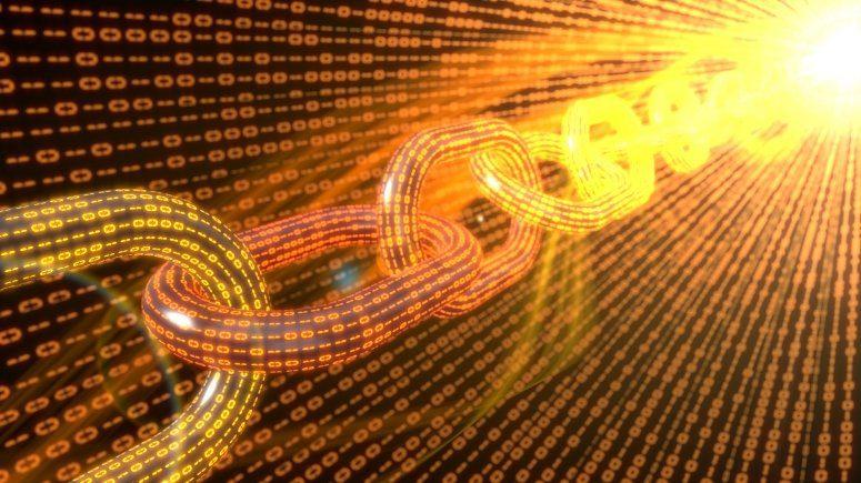 Blockchain plain - ChainLink Acquires Town Crier, Provides Secure Smart Contract Networks