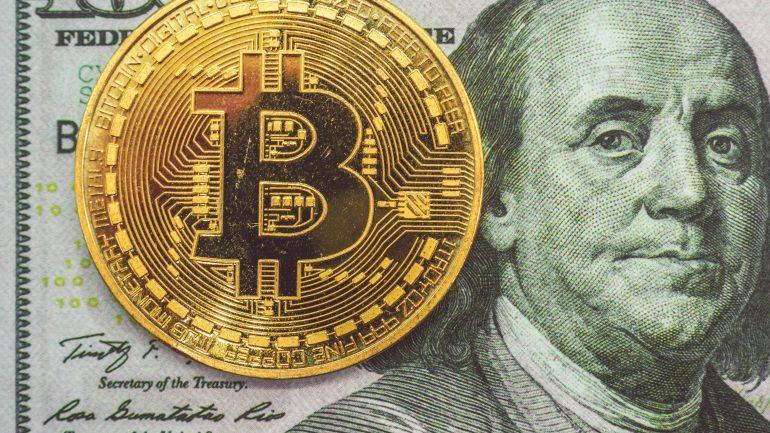 Bitcoin long next to Benjamin Franklin's face